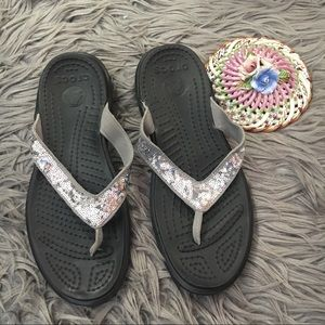 Crocs Sequin Capri V Flip Flops Sandals Sz 10